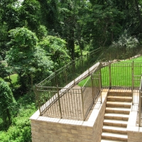 Right-Rear-side-Yard-View-with-Retaining-Wall-on-Left